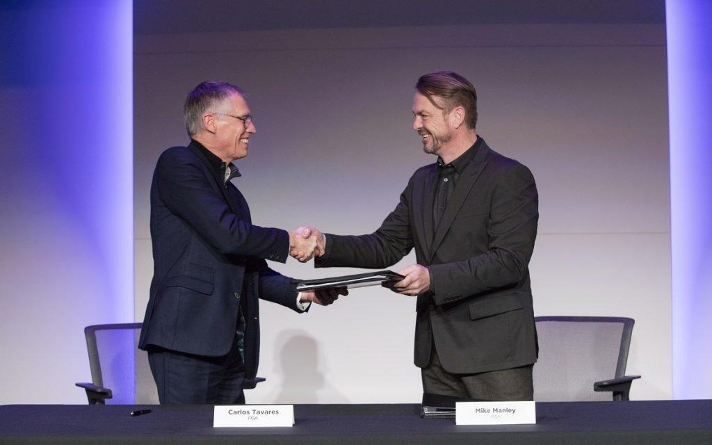 Imagen de la firma del Acuerdo PSA y FCA