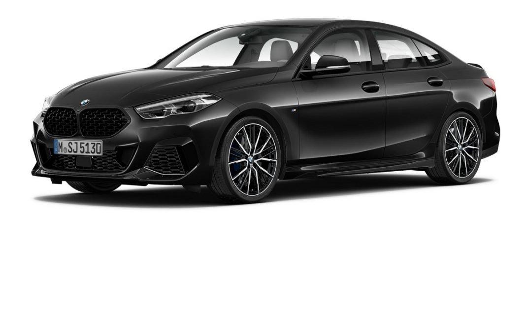 Imagen exterior tres cuartos delantero en estudio del BMW Serie 2 GC Black Shadow