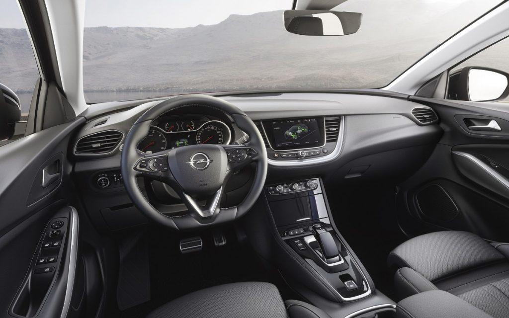 Imagen interior del Opel Grandland X Hybrid 4