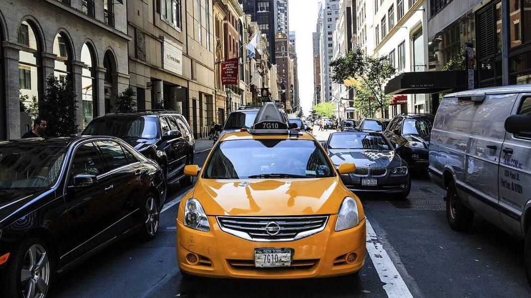 taxi Nueva York frontal