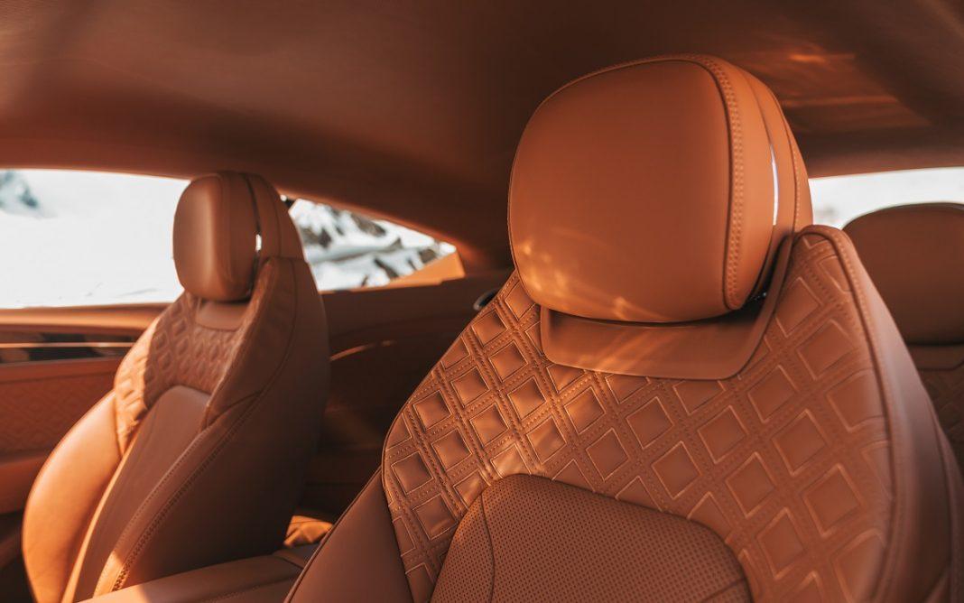 Detalle de la tapicería Bentley Diamond