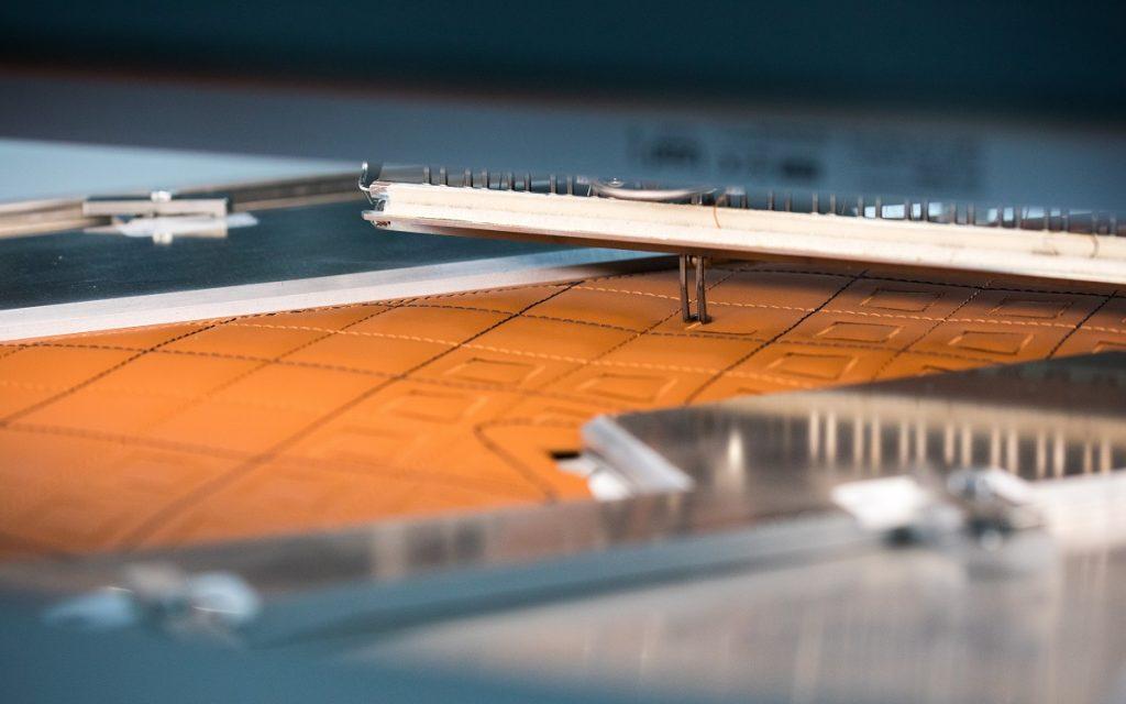 Imagen de la confección de la tapicería Bentley Diamond