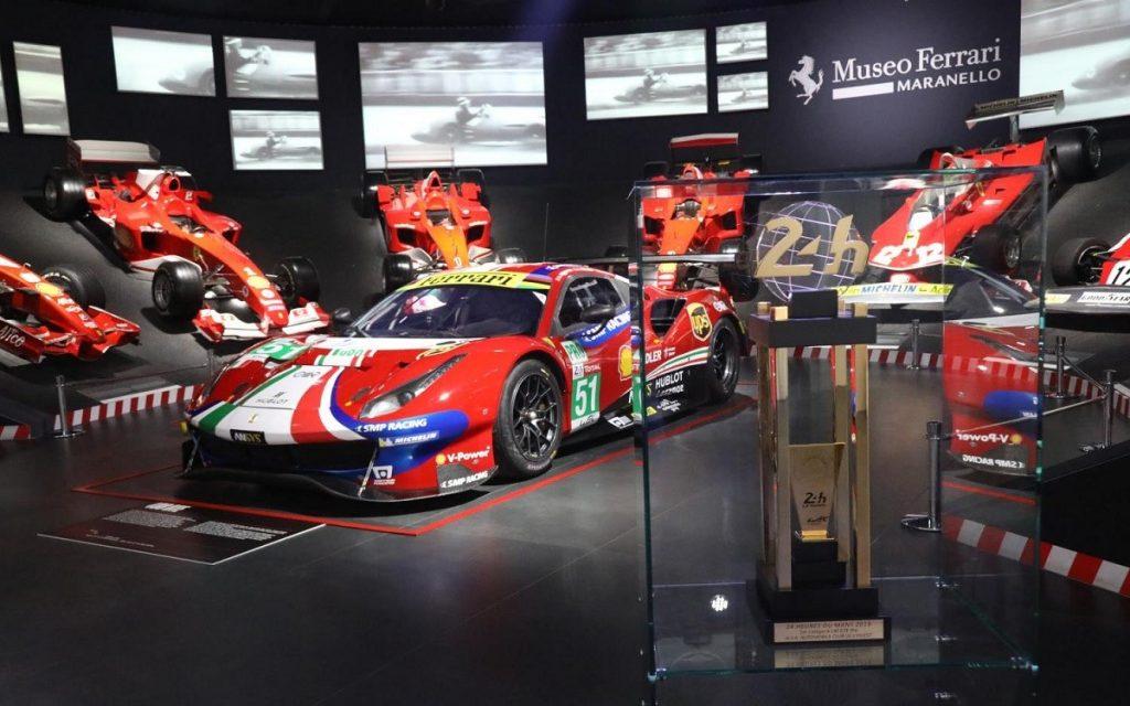 Exposición del 488 GTE ganador en el Museo Maranello