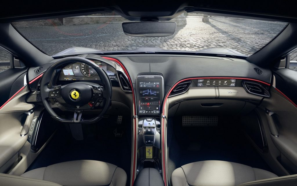 Interior y salpicadero del Ferrari Roma