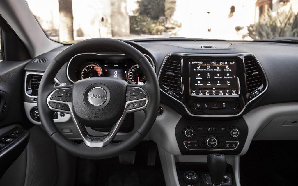Imagen interior del Jeep Cherokee Limited