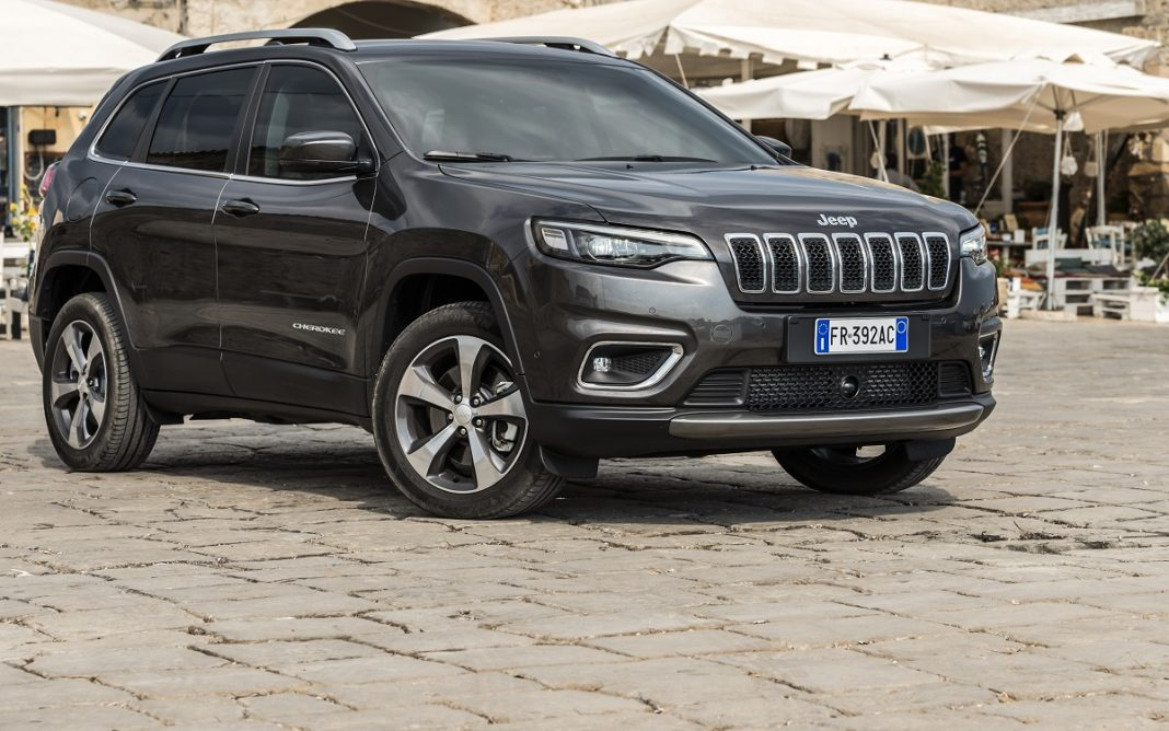 Imagen tres cuartos delantero del Jeep Cherokee Limited