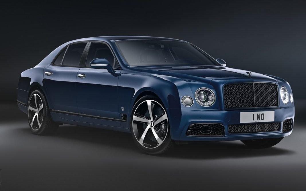 Imagen de un Bentley Mulsanne tres cuartos delantero en estudio
