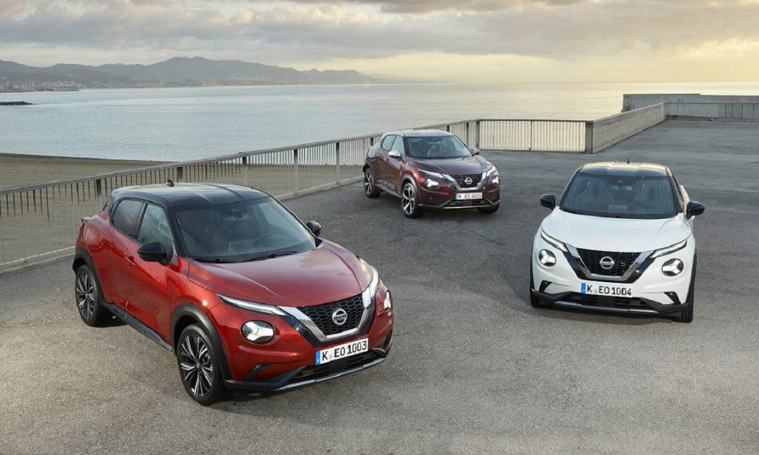 Tres Nissan Juke de nueva generación posan delante de frente
