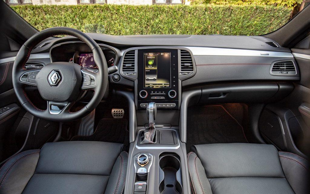 Imagen interior de un Renault Talisman en parado