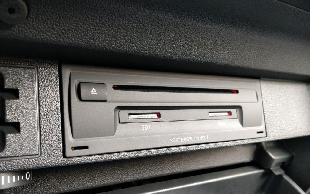 Detalle del módulo de conectividad del Seat Tarraco