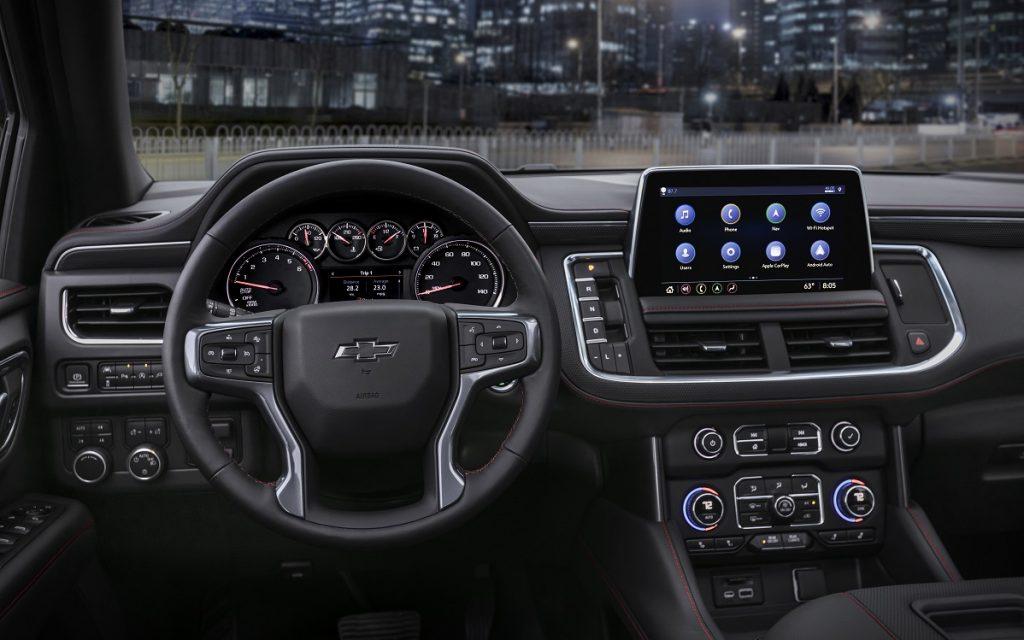 Imagen del salpicadero de un Chevrolet Tahoe modelo 2021