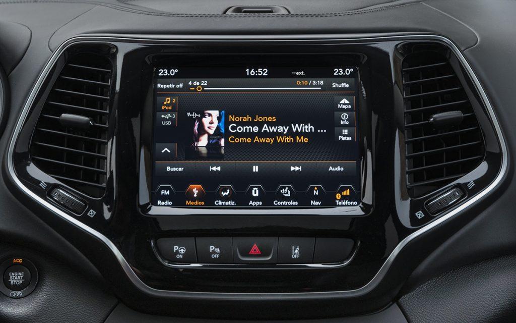 Reproducción de audio en el Jeep Cherokee Overland