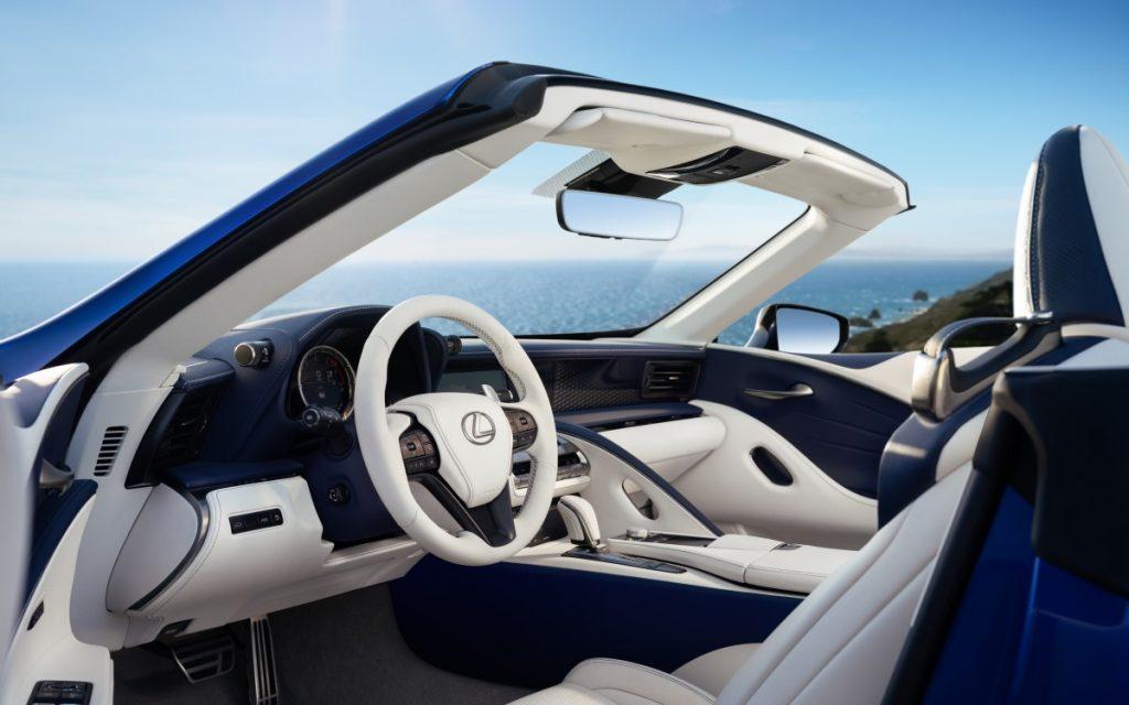 Interior del Lexus LC 500 Convertible