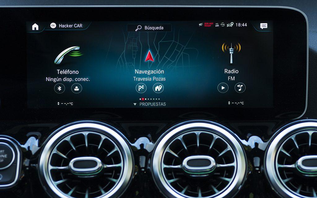 Menú principal sistema multimedia del Mercedes-Benz B200 D