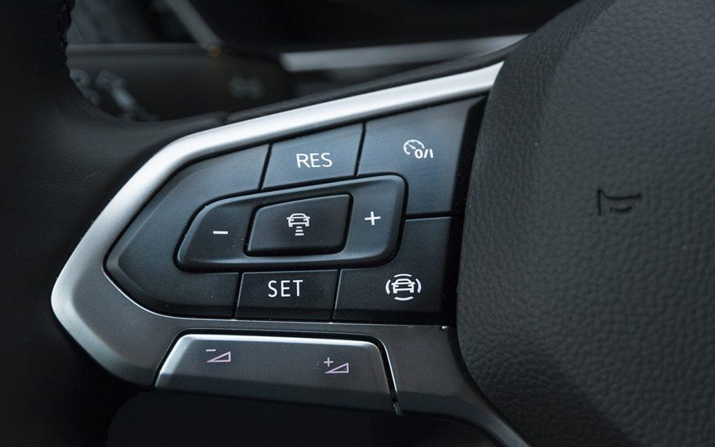 Mandos en el volante del VW T-Cross