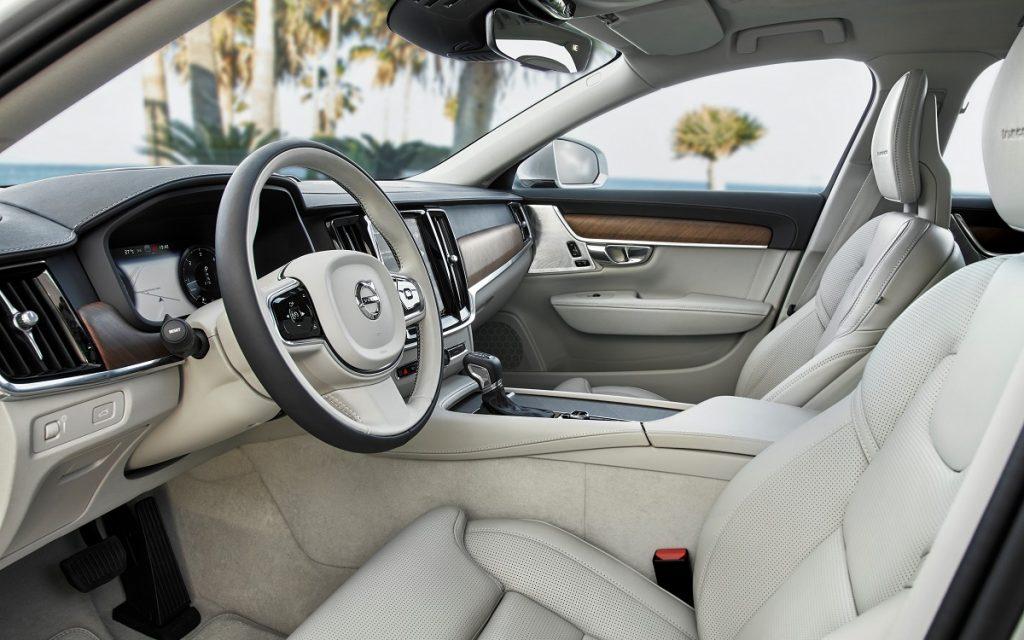 Imagen exterior del nuevo Volvo S90 gama 2020