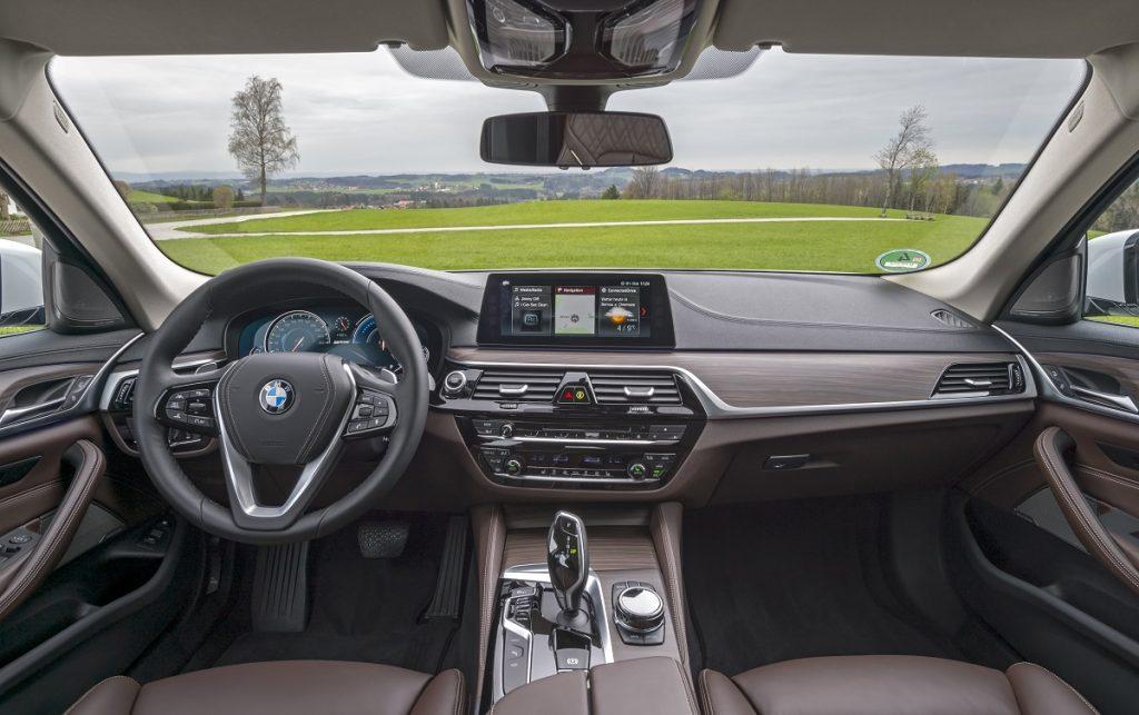 Imagen interior de un BMW 530e
