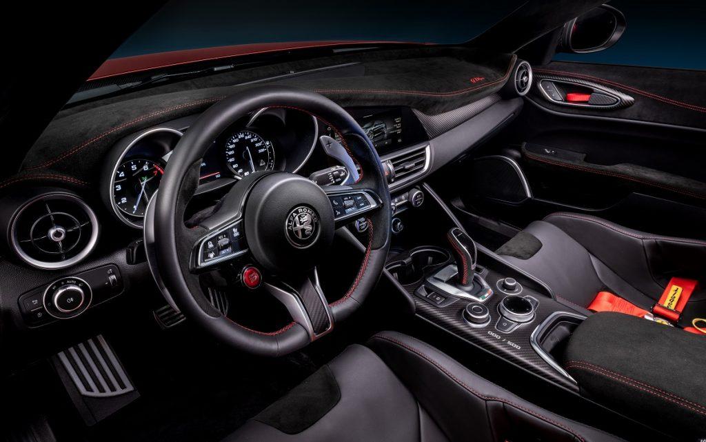 Imagen interior del Alfa Giulia GTA