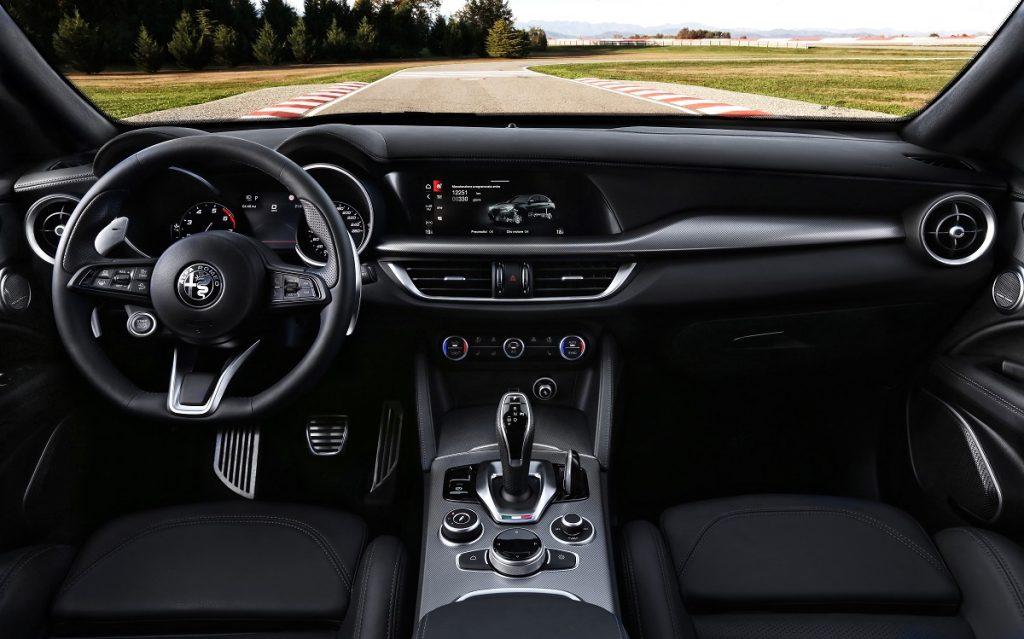 Imagen interior de un Alfa Stelvio