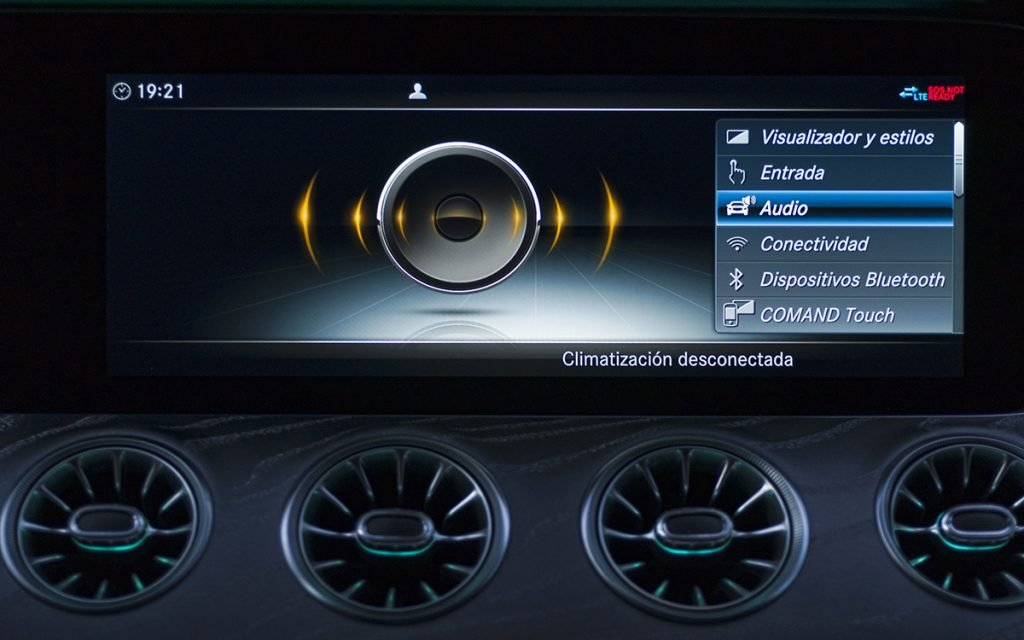 Menú opciones de audio en el Mercedes-Benz CLS