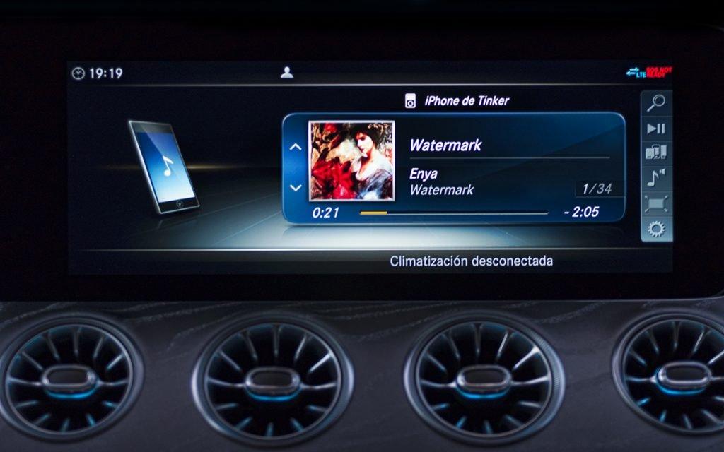 Reproducción de audio en el Mercedes-Benz CLS