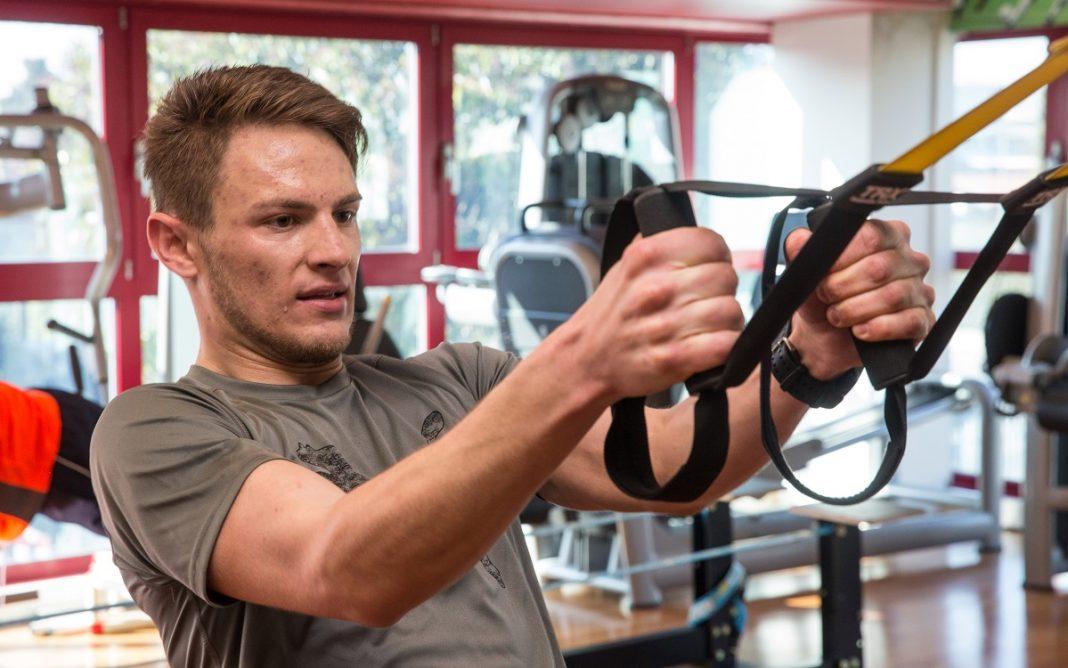 Imagen del piloto de BMW Marco Wittmann en el gimnasio