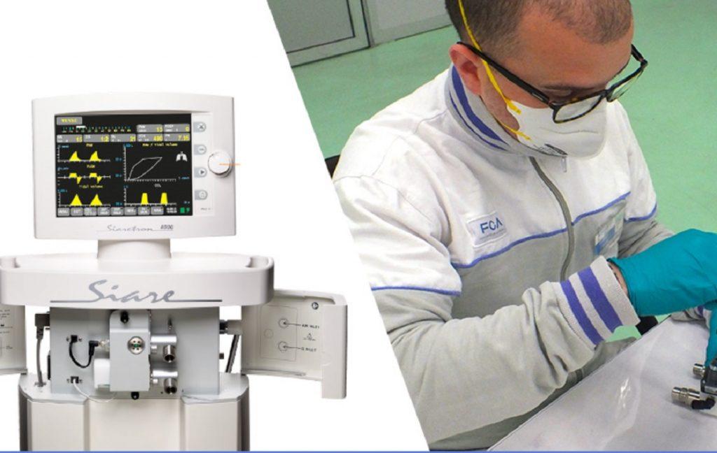 Imagen de un operario de FCA fabricando un respirador