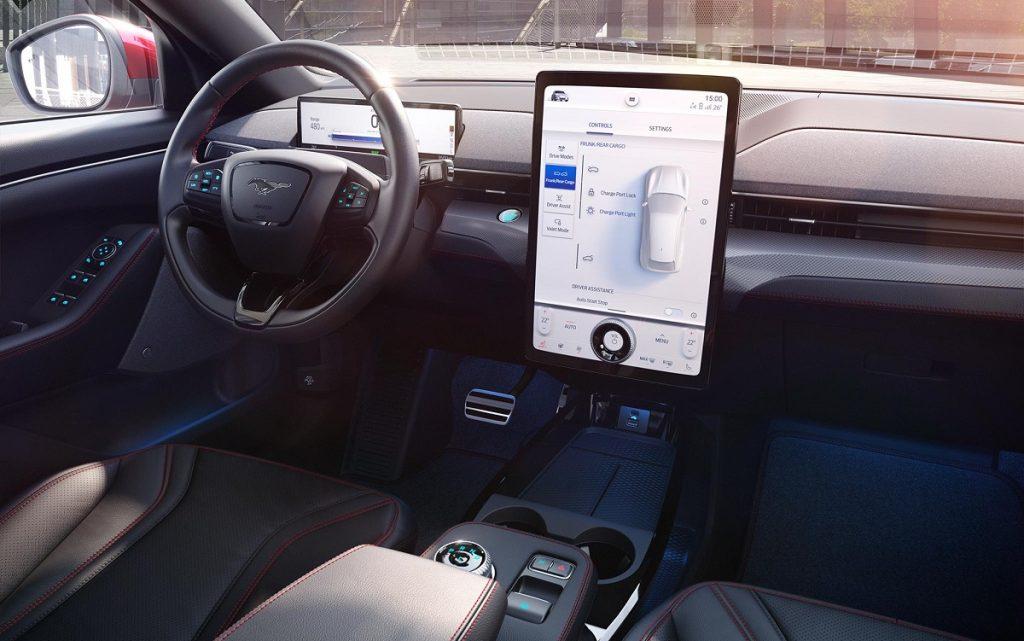 Imagen interior del FOrd Mustang Mach E