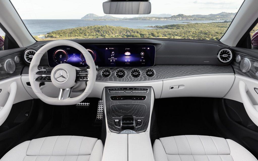 Mercedes CLase E Cabrio 2020 por dentro