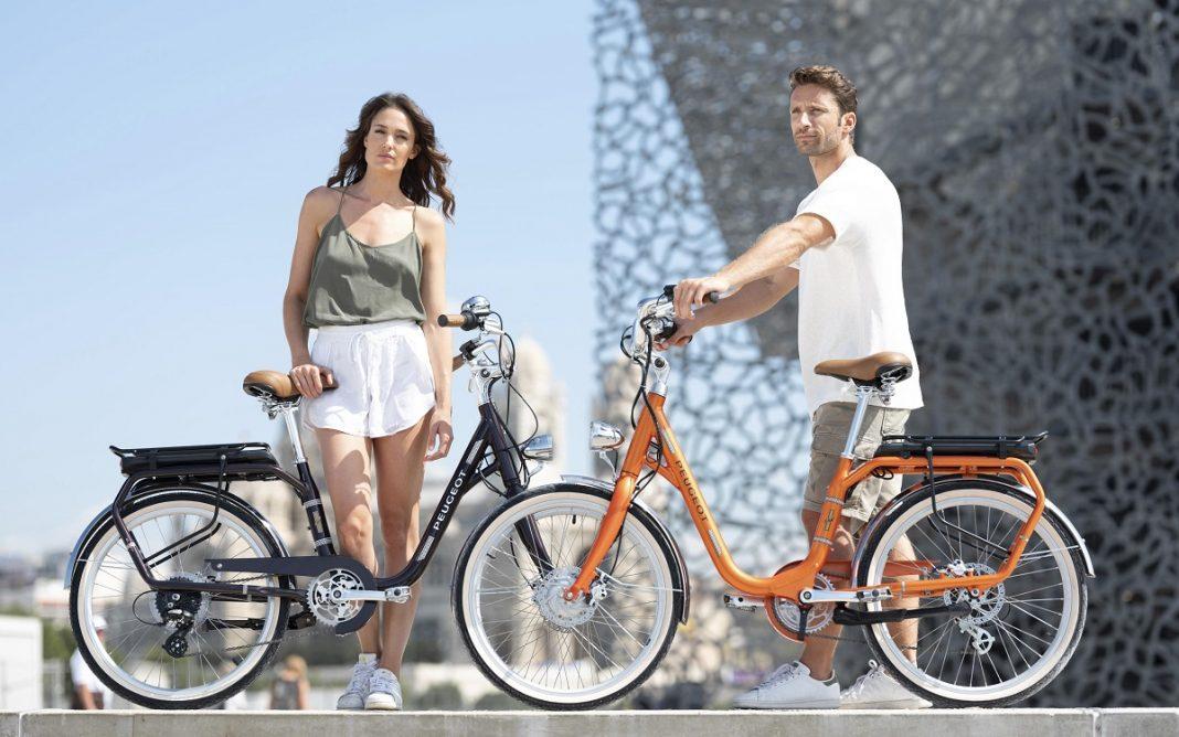 Imagen promocional de la bicicleta PeugeotCycles eLC01