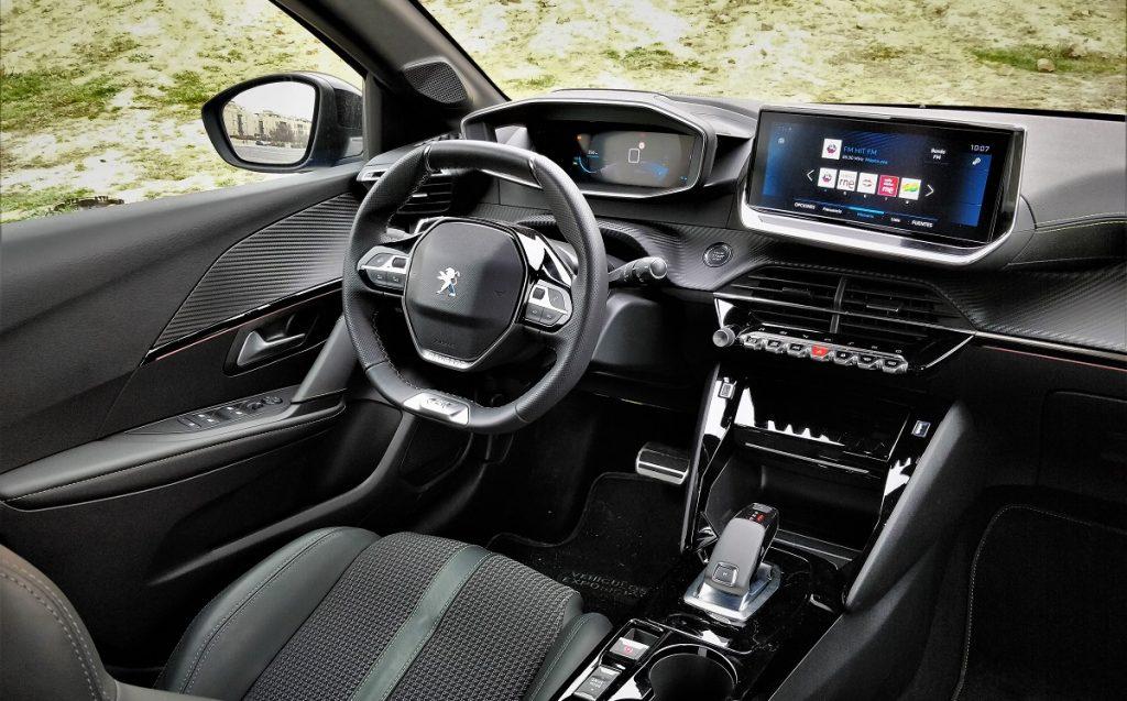 Imagen del interior del 208