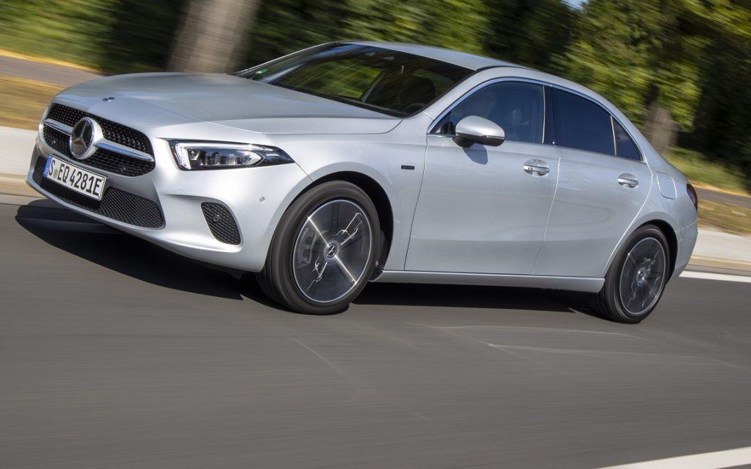 Imagen exterior de un Mercedes Clase A sedán