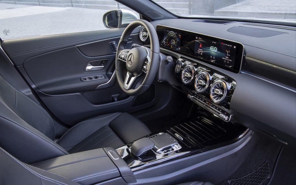 INterior del Mercedes A Sedán