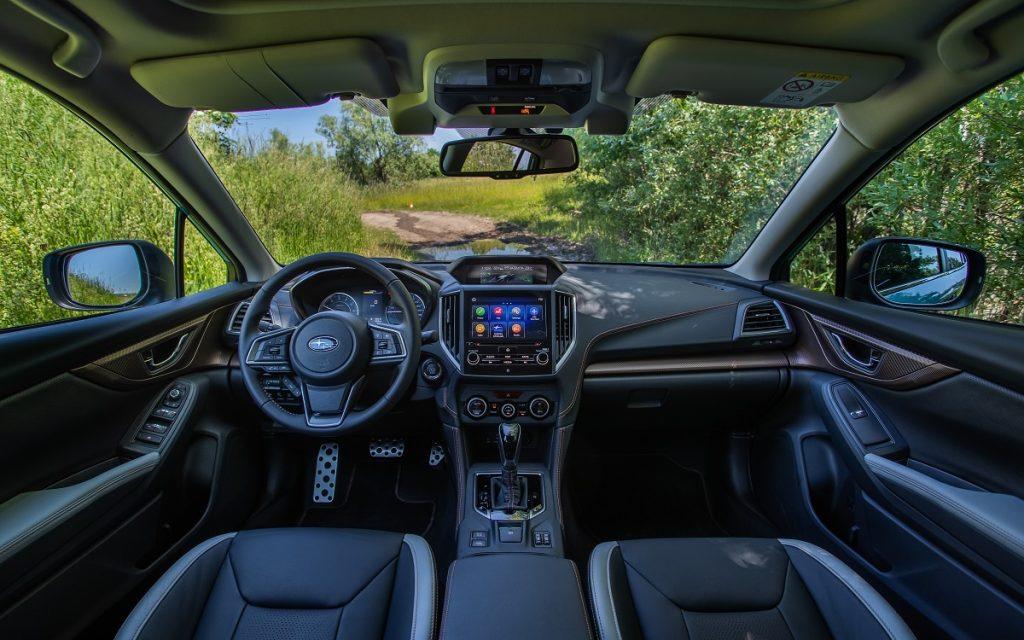 Imagen interior del Subaru XV híbrido