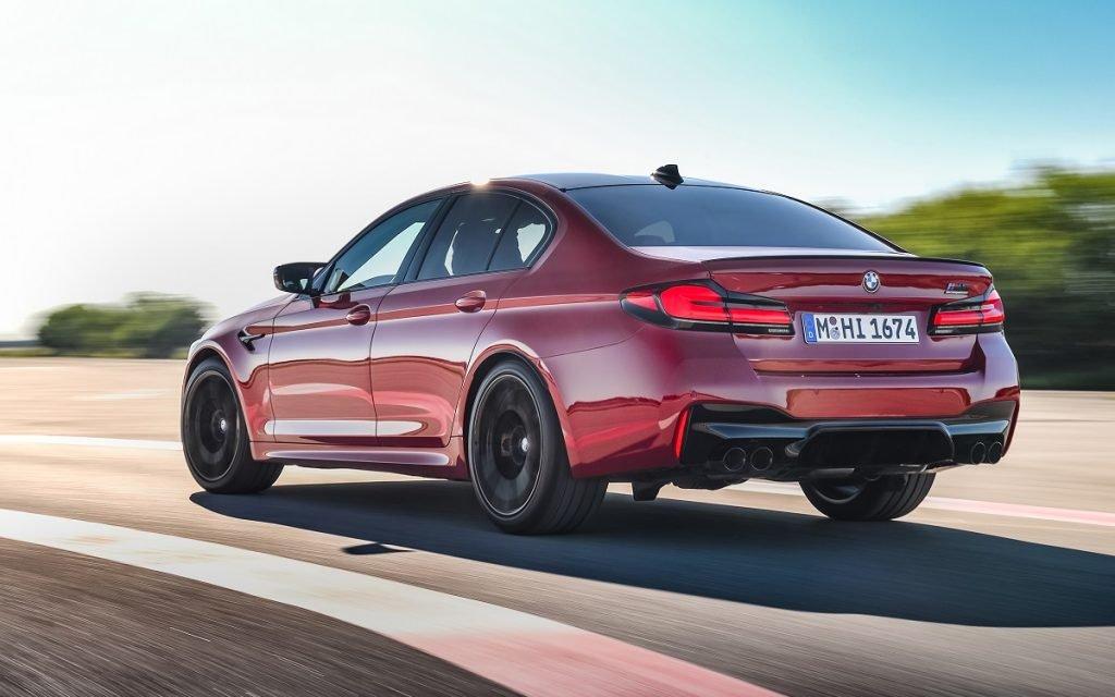 Imagen tres cuartos trasero del BMW M5 2020
