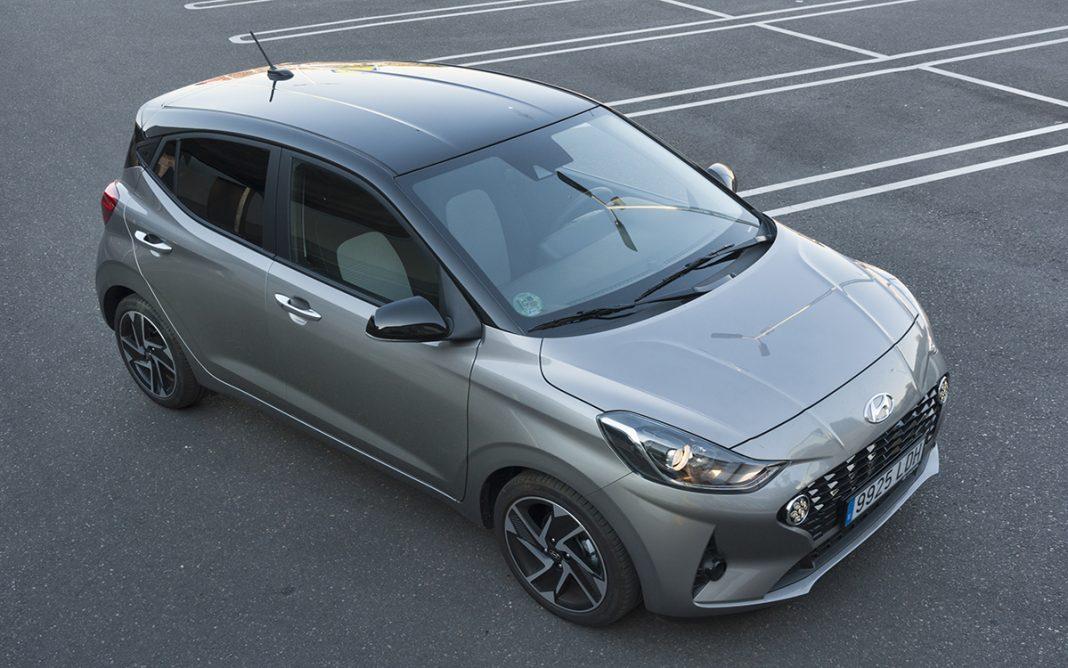 Imagen tres cuartos frontal del Hyundai i10
