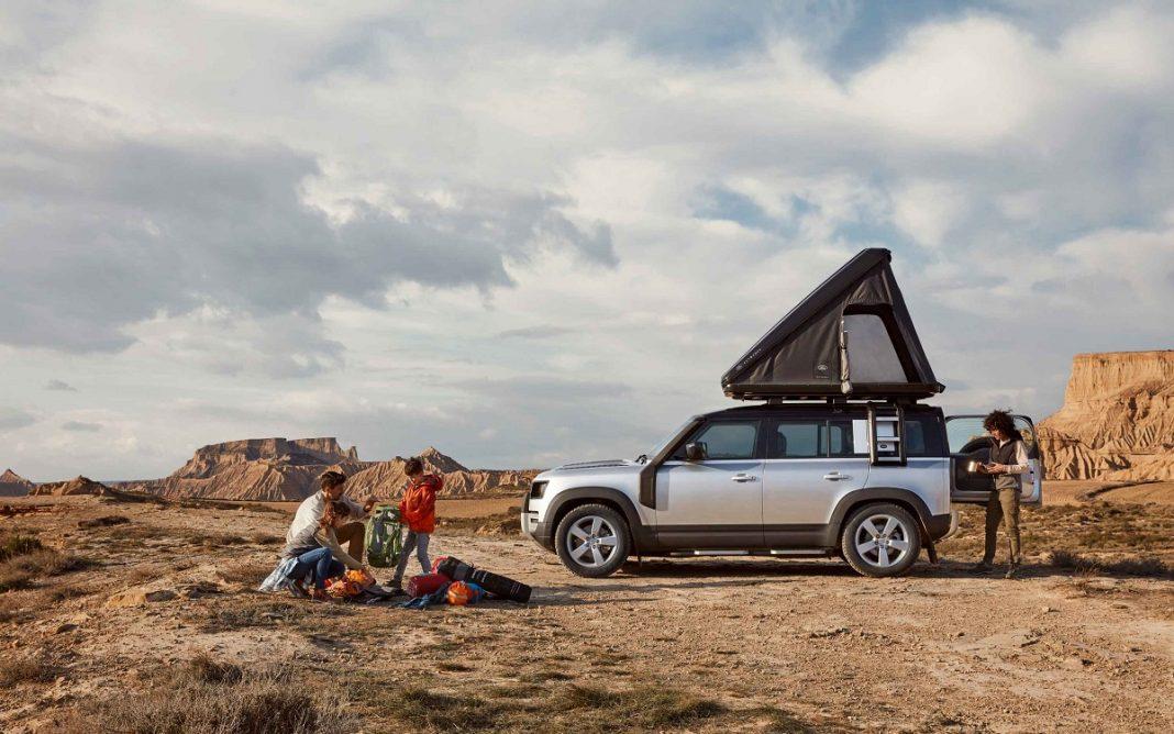Imagen de un Land Rover Defender con la tienda Autohome