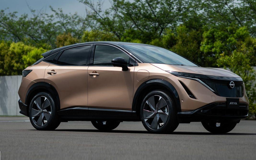 Imagen tres cuartos delantero del Nissan Ariya