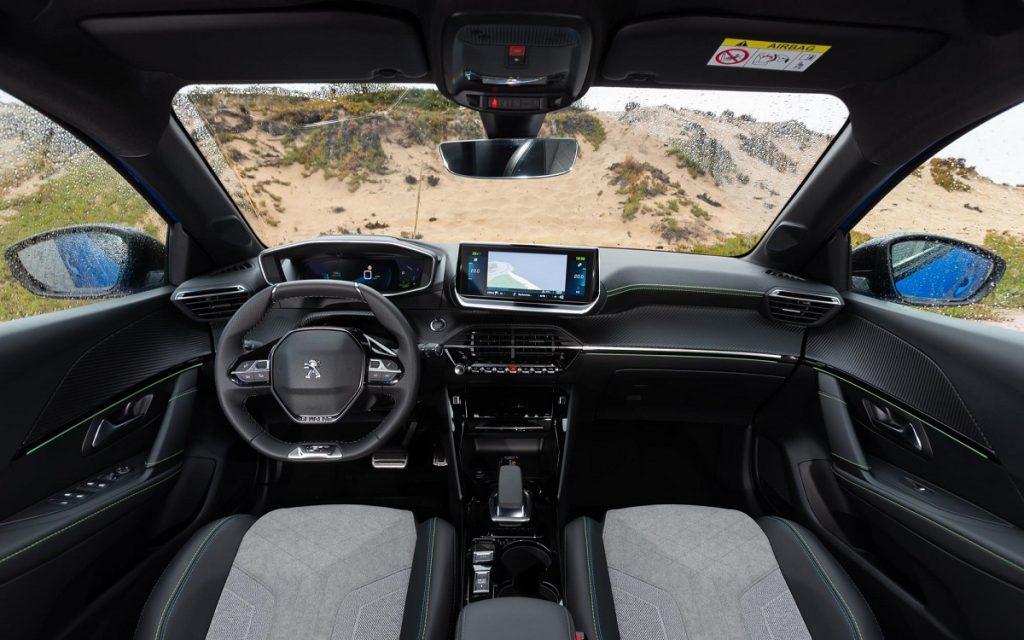 Imagen interior Peugeot 208 eléctrico