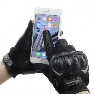 imagen de unos guantes para moto