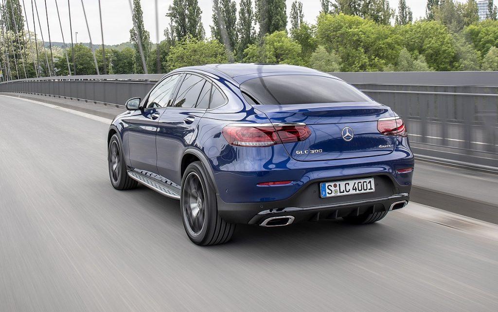 IMagen de un Mercedes GLD hibrido enchufable en versión coupé