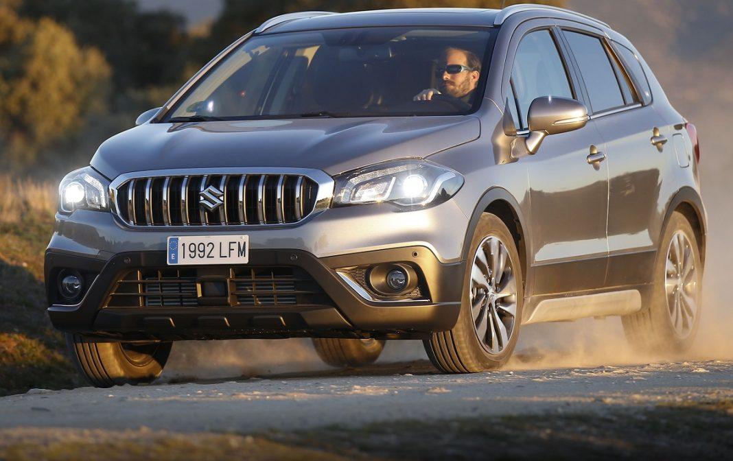 Imagen exterior Suzuki S-Cross de color gris