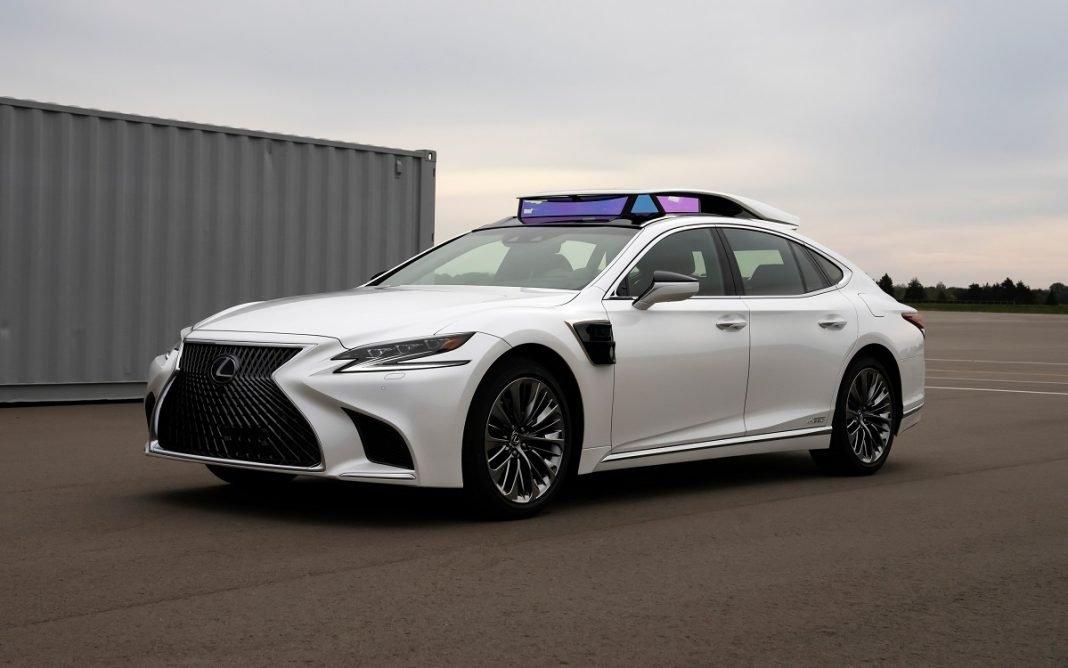 Imagen de un Lexus LS Autónomo