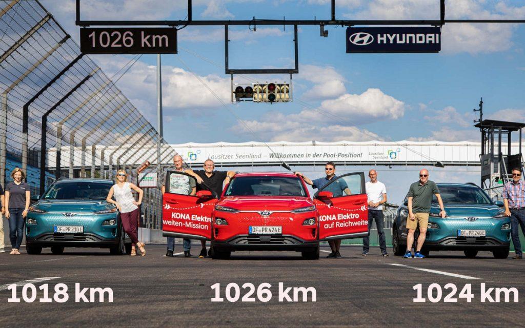 Imagen de los Hyundai Kona que han batido record de autonomía
