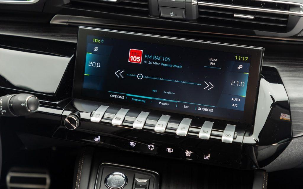 Imágenes del sistema multimedia del Peugeot 508 SW Híbrido