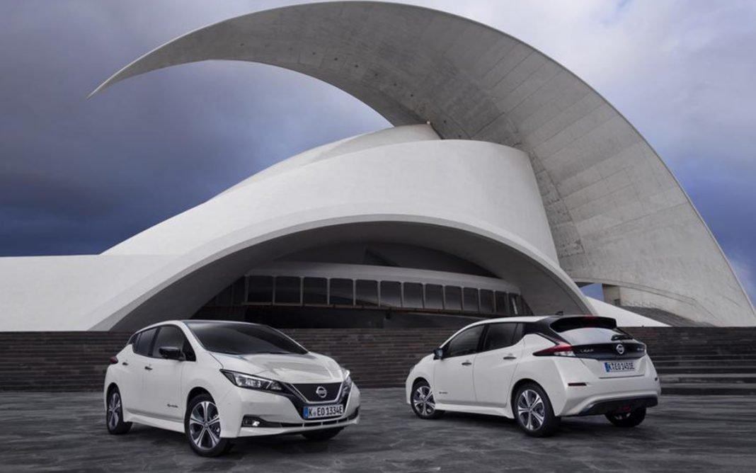 Nissan Leaf tres cuartos frontal trasera