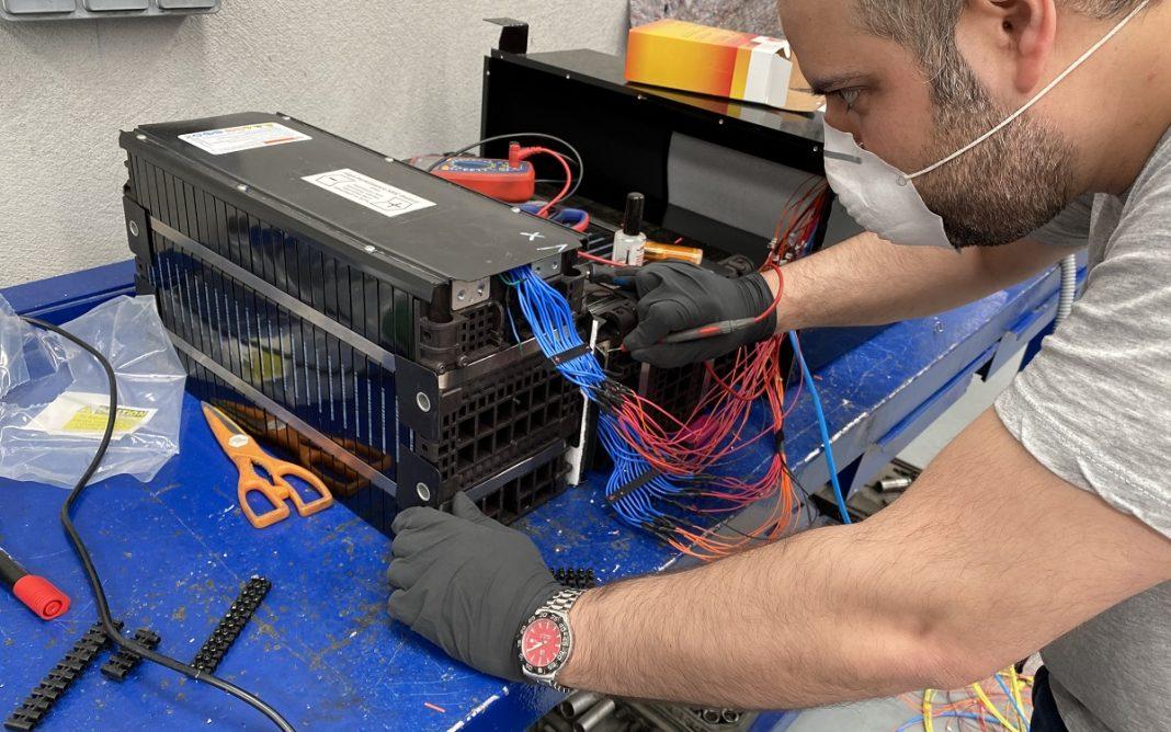 Montaje del circuito CAN-BUS en el prototipo de Mini Eléctrico de Ic2Ev
