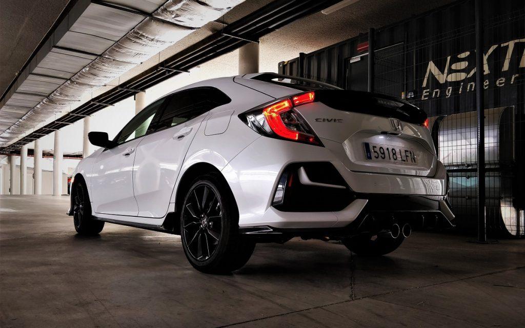 IMagen tres cuartos trasero Honda Civic