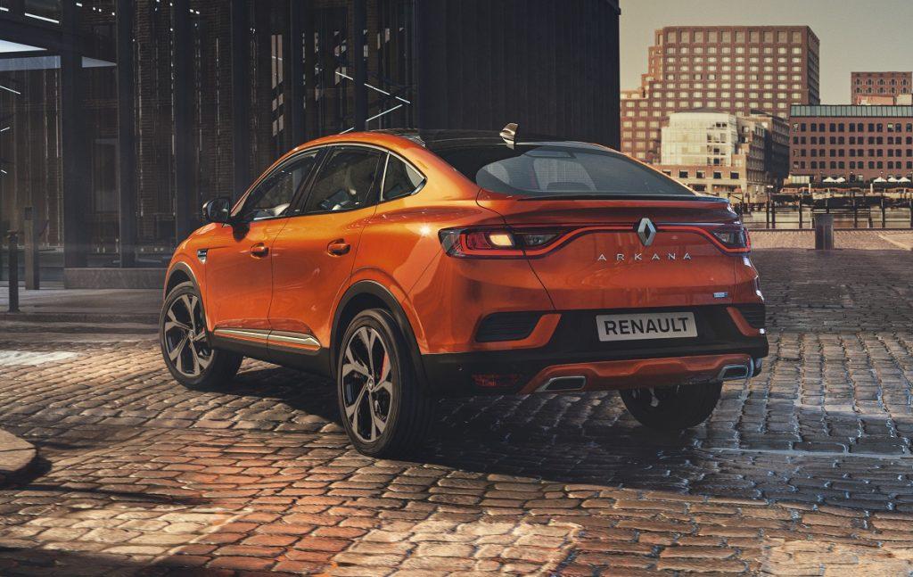 Imagen tres cuartos trasero del Renault Arkana