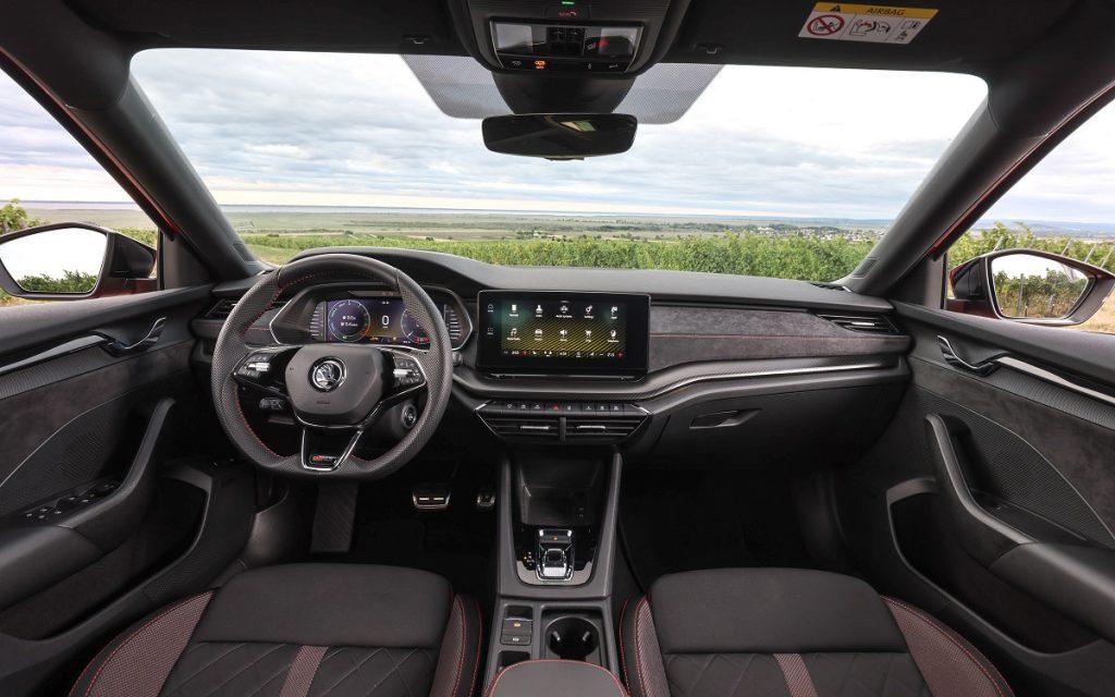 Imagen interior del Skoda Octavia RS 2020